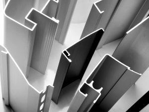 Alumiiniprofiilit teollisuuteen ja rakentamiseen.